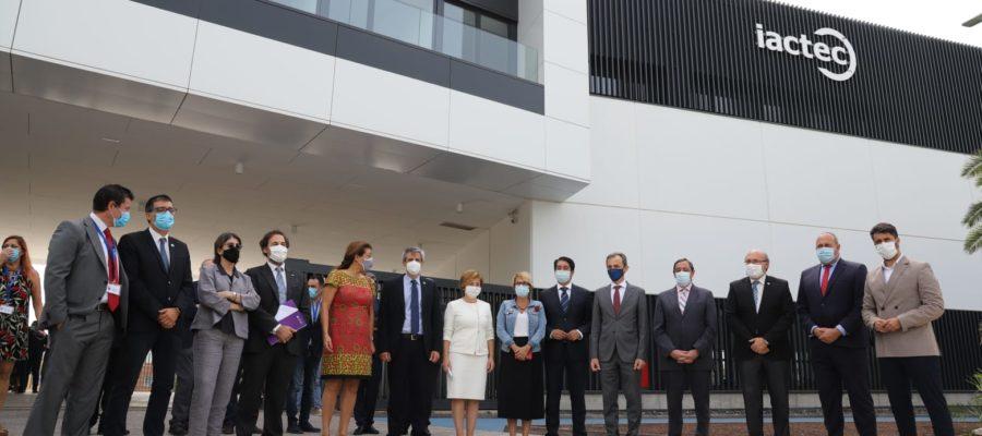 Pedro Duque visita las instalaciones del IACtec, del Parque Científico y Tecnológico de Tenerife en su apertura oficial